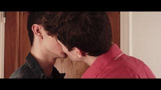 getlinkyoutube.com-Gay short film : «Pourquoi mon fils ?» - 15 subtitles (AUTOMATIC)