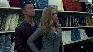 getlinkyoutube.com-Funny Don Jon Movie Clip - Scarlett Johansson and Joseph Gordon Levitt Fight Over Mop!