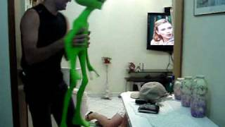 getlinkyoutube.com-Susto com ET - Susto com Alienígena - Susto com Alien