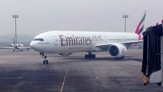 getlinkyoutube.com-ُEmirates 77W Taxi to Parking at Dhaka Airport