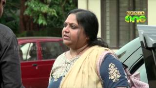 getlinkyoutube.com-Divorce case: Actors Mukesh, Saritha appear before court