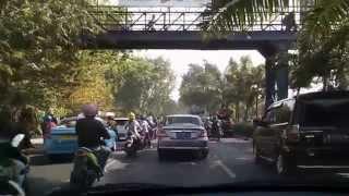 Pemburu Rupiah dari kota Satelit Surabaya , setiap pagi berlomba -lomba.