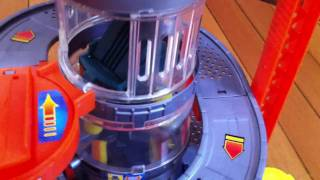 getlinkyoutube.com-Hot Wheels Car Wash Playset - Put together and Features