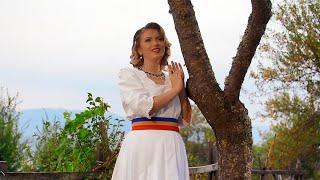 getlinkyoutube.com-Lavinia Goste - M-o muscat badea de buza (Videoclip oficial)