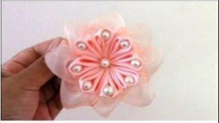 getlinkyoutube.com-Flores en cintas de organza y raso para el cabello