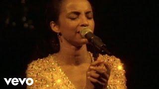 getlinkyoutube.com-Sade - Pearls (Live)
