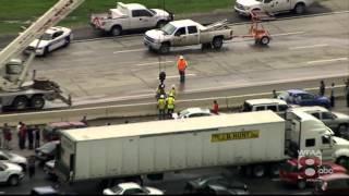 getlinkyoutube.com-Dallas, TX Floods, May 29, 2015 - Crews work to alleviate traffic on Loop 12