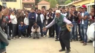 getlinkyoutube.com-Algérie, Kabylie: un chibani danse super bien