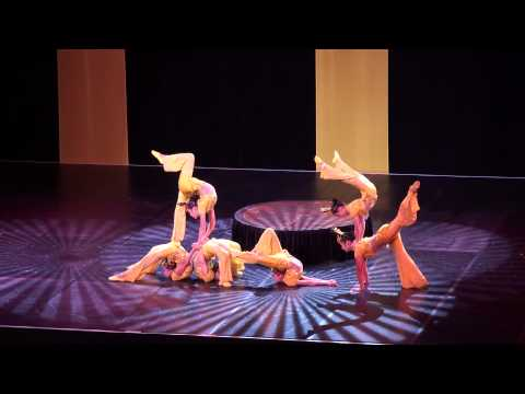 Crazy Peking Acrobats/Contortionists!