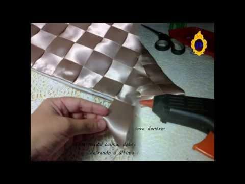 {DIY} Almofada de fita de cetim sem costura