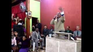 getlinkyoutube.com-Irmão Márcio (Ex. Márcio do Cacuia) na Assembléia de Deus Poder da Glória