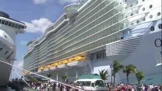 getlinkyoutube.com-Tour of the world's most luxurious cruise ship the Oasis of the Seas
