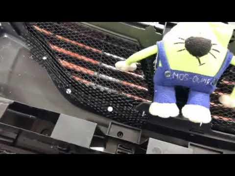 Renault Sandero Stepway сетка в бампер надежно защищает радиатор от попадания камней