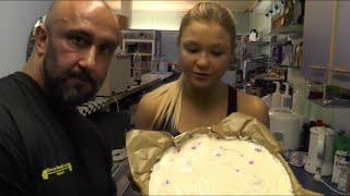 getlinkyoutube.com-Weltmeister Rezepte: Protein-Käsekuchen für Muskelaufbau und Fettabbau feat. Sophia Thiel