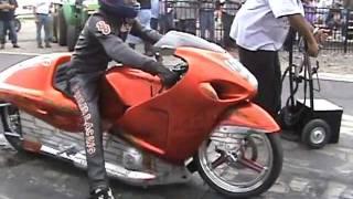 getlinkyoutube.com-Grudge top gas Chucky Hayabusa Wheeler test run NHDRO 5-14-11
