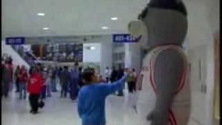 getlinkyoutube.com-El oso que asusta
