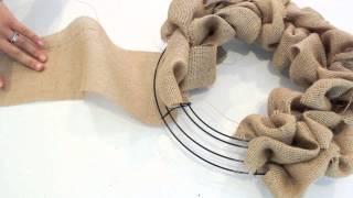 getlinkyoutube.com-How to make a Burlap Wreath   2 Minute Tutorial