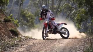 getlinkyoutube.com-los mejores saltos y acrobacias de moto cross