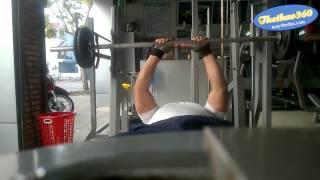 Gym WorkOut   đẩy tạ ngực trong 28kg