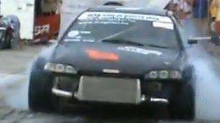 getlinkyoutube.com-Honda Civic 2.0 Turbo Vs. Honda Civic B16 Drag Race [1/4 Mile]