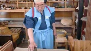 getlinkyoutube.com-Japanese Traditional Pottery by Samurai - Tecnics of  Electoric Wheel Vol.1