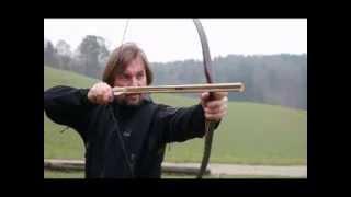 getlinkyoutube.com-Archery: Special Ottoman Shooting with a Majra or Nawak / www.archery-thumbring.com