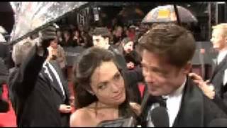 getlinkyoutube.com-Brad Pitt and Angelina Jolie at the BAFTAs 2009