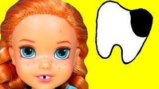 getlinkyoutube.com-DENTIST! Sugar Bugs ! ANNA toddler loses a TOOTH - Afraid of Dentist - Little ELSA is there too