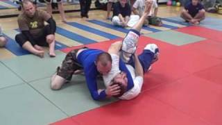 getlinkyoutube.com-Arm Triangle Defense and Escape