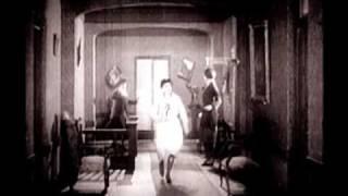getlinkyoutube.com-Traveling Wilburys - Drummer