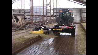 Mat-Mate free stall mattress brush for use in dairy herd managment