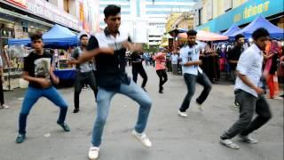 getlinkyoutube.com-Flash Mob by J Crew at Klang