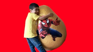 getlinkyoutube.com-Super Giant Golden Surprise Egg - Spiderman Egg Toys Opening + 3 Kinder Surprise Eggs Unboxing