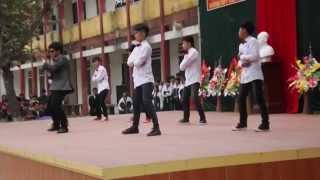 getlinkyoutube.com-Tiết mục nhảy hiện đai kết hợp hiphop của lớp 10B K50 và nhảy dance của cựu học sinh trường Yên Mô A