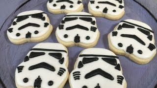 getlinkyoutube.com-Star Wars Storm Trooper Cookies (How To)