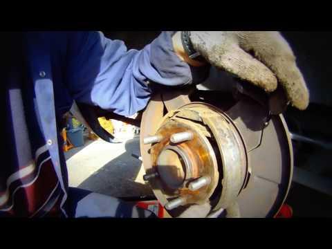 Замена и установка задних тормозных дисков, Chrysler, Dodge