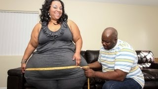 getlinkyoutube.com-Woman with The Largest Hips in the World