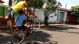"""getlinkyoutube.com-Cravados Do Grau """" Wheeling Stunt Bike"""""""
