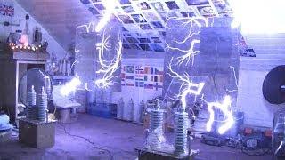 getlinkyoutube.com-High Voltage Playing Safely