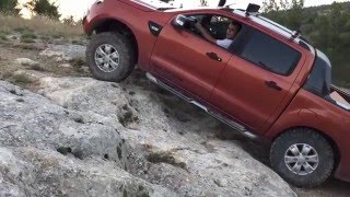 getlinkyoutube.com-Rock Off-road Ford Ranger Wildtrak PX ( without difflock)