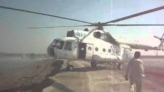 getlinkyoutube.com-WFP food relief in Sehwan sharif