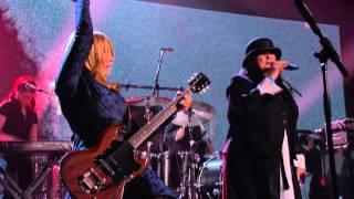 "getlinkyoutube.com-Heart – ""Barracuda"" Live 2013 Rock Hall of Fame Induction Concert HD"