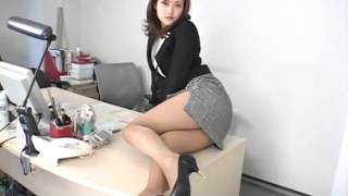 getlinkyoutube.com-Mini Skirt Sexy Asian Girl 3 show big Boobs sexy at kitchen   YouTube