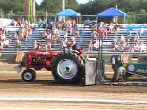 Modified Stock Naturally Aspirated Tractors Class - Perry County Fair 2010 - By: Diesel Bombers
