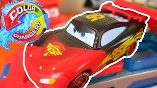 getlinkyoutube.com-CARS MACK TRUCK DIP & DUNK COLOR CHANGERS TRAILER LIGHTNING MCQUEEN COLOR SHIFTERS