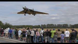 getlinkyoutube.com-Vulcan XH558 Bomber Farewell | 4k video footage | low approach landing | RIAT Display - 2015