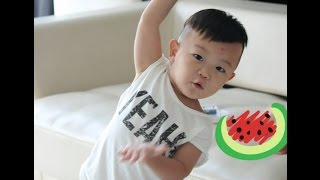getlinkyoutube.com-Daebak Lee Si Ahn Exercise Together With Sister - Lee Dong Gook Son The Return Of Superman