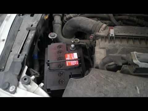 Замена аккумулятора Dodge Caliber