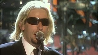 getlinkyoutube.com-Nickelback - Sharp Dressed Man 2007 Live Video