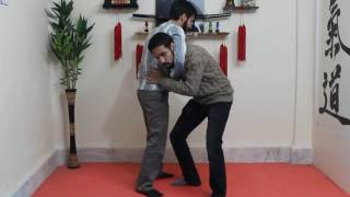 getlinkyoutube.com-[آموزش دفاع شخصی خیابانی] - دفاع گرفتن گردن از جلو